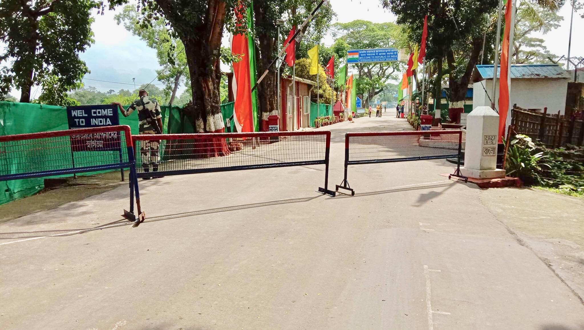 ভারতে 'জনতা কারফিউ' আখাউড়া স্থলবন্দরে আমদানি-রফতানি বাণিজ্য বন্ধ