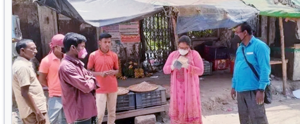 নাসিরনগরে ঘর থেকে বের হয়ে দোকানে বসে আড্ডা দেয়ায় ১৩ জনকে জরিমানা