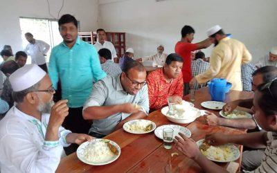 করোনাকালে বিজয়নগরের চম্পকনগর হাইস্কুলে ভুঁড়িভোজের আয়োজন